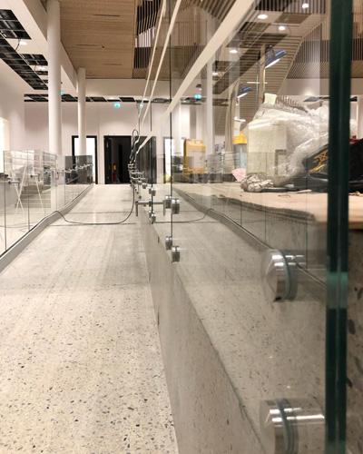 BV3500 монтирани стъклени парапети