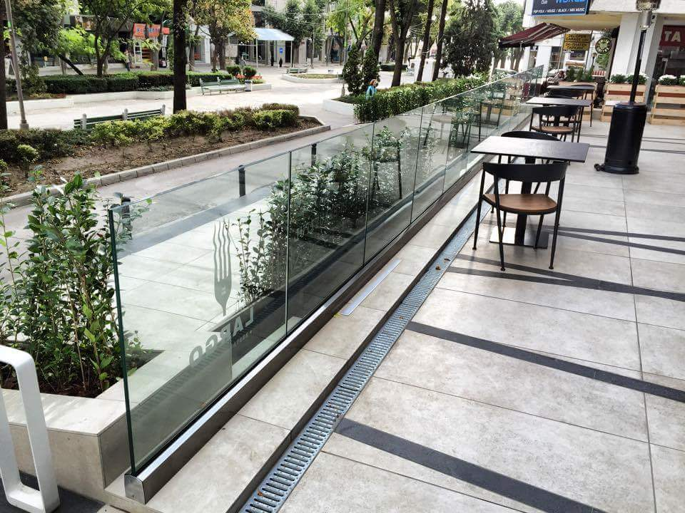 BV9500 glass railing with glass with digital print on it