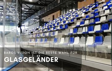 Glasgeländer am Stadionmobil montiert mobile