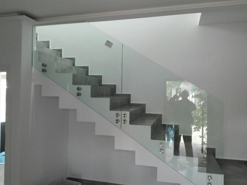 RS3500 страничен монтаж на стълбище